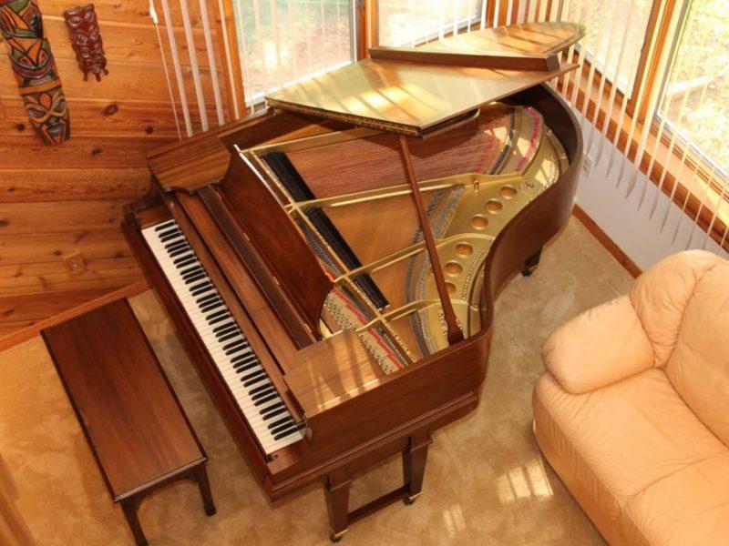 Piano-10011.jpg